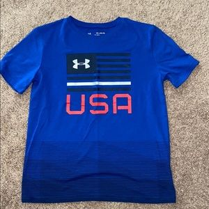 UA loose fit shirt